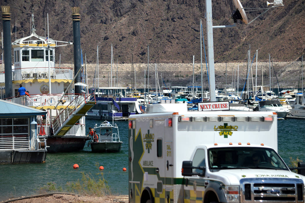 Paul Luisi The Desert Princess, a Mississippi-style paddle wheeler, lost power while out on Lake Mead with 163 passengers aboard Tuesday. One crew member received minor injuries and other boats in ...