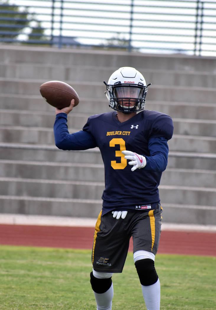 Robert Vendettoli/Boulder City Review Boulder City High School junior quarterback Shaun Jones throws a screen pass during practice on Aug. 15. Jones will be the Eagles' starting quarterback.