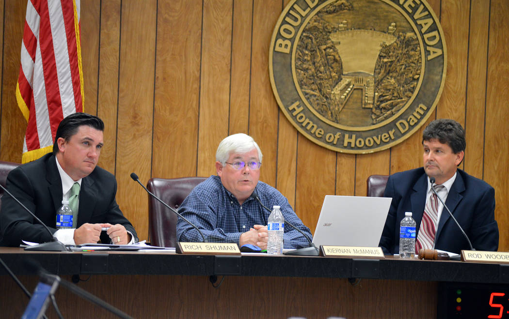 Celia Shortt Goodyear/Boulder City Review City Councilman Kiernan McManus, center, discusses options for the city manager recruitment process with fellow Councilman Rich Shuman, left, and Mayor Ro ...