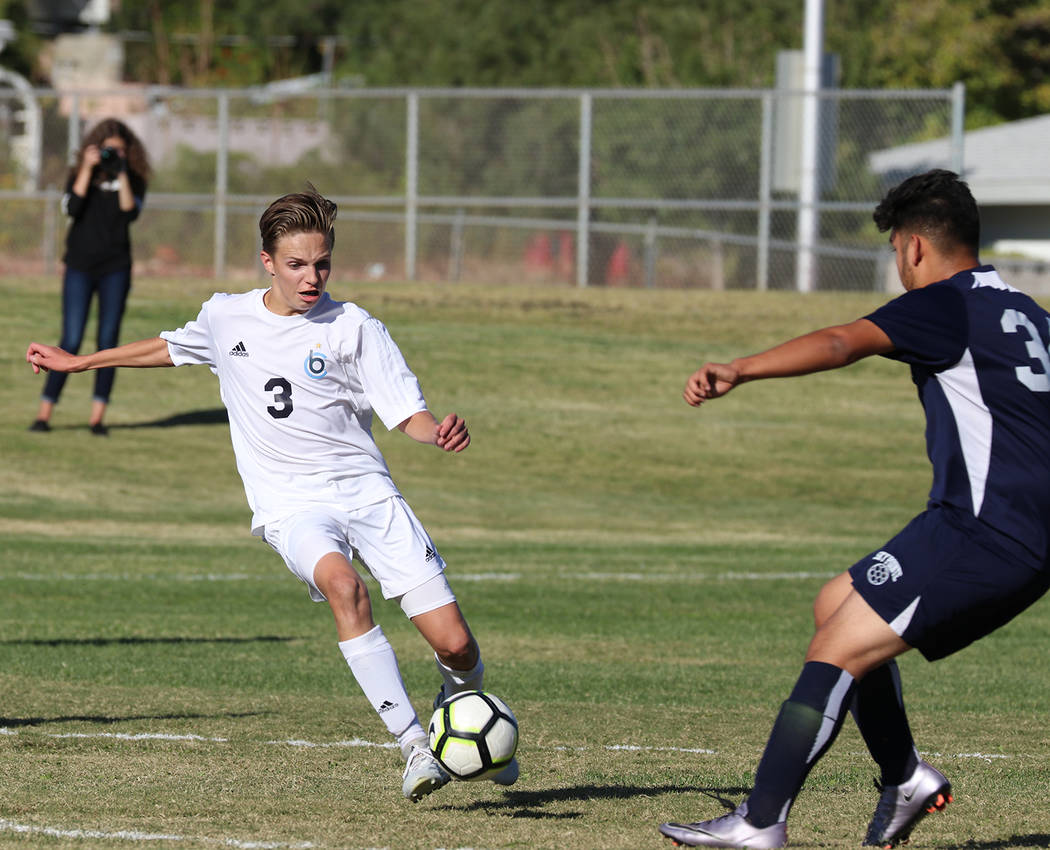 Tristin Phelps/Boulder City Review Boulder City High School senior Jackson Wright displayed his physical endurance and virtuosity to help his teammates defeat Somerset-Sky Pointe 3-1 on Tuesday.