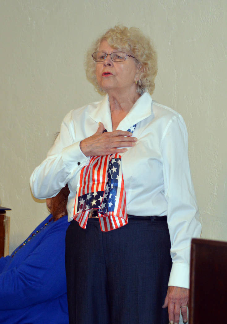 Celia Shortt Goodyear/Boulder City Review Norma Barth leads the audience in the national anthem at the Veterans Day ceremony Saturday, put on by American Legion, Post 31.
