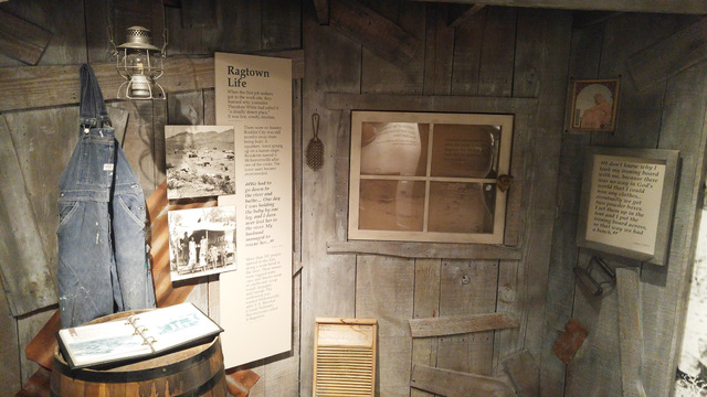 File The Boulder City/Hoover Dam Museum tells the story of the construction of the dam, as well as the birth of Boulder City, with artifacts, audio recordings and interactive exhibits.