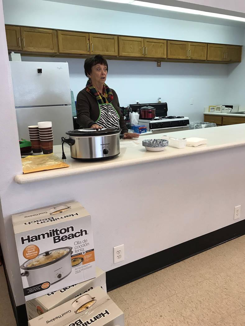 Hali Bernstein Saylor/Boulder City Review Patty Jacobson, a member of St. Christopher's Episcopal Church, teaches the December Jump Start Kitchen Class, offering nutritional information about cabb ...