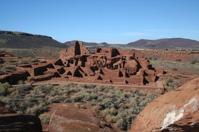A one-half-mile paved trail brings visitors to the Wupatki Pueblo, located behind the visitor center at Wupatki National Monument in Arizona. Photo courtesy Deborah Wall