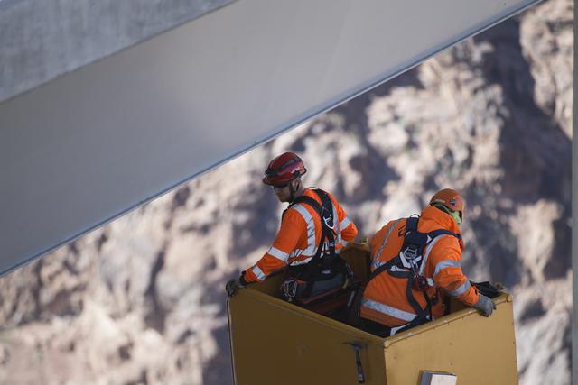 Erik Verduzco/Las Vegas Review-Journal Crews inspect the Mike O'Callaghan-Pat Tillman Memorial Bridge for deficiencies Jan. 31.