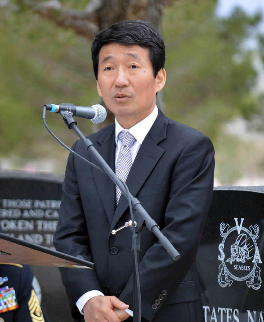 Celia Shortt Goodyear/Boulder City Review Counsel General of the Republic of Korea Kim Wan Joong delivers the keynote speech at a dedication ceremony on Saturday for a new Korean War memorial at t ...