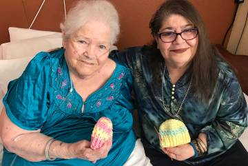 (Hali Bernstein Saylor/Boulder City Review) Mary Jane Childress, left, and Lynn Blake, roommate ...