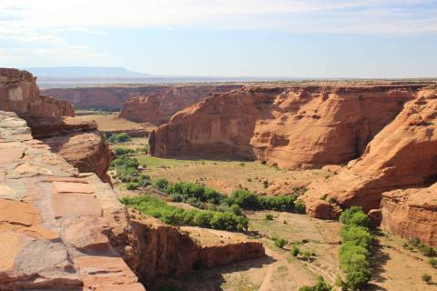 (Deborah Wall) Canyon de Chelly's South Rim Drive offers seven overlooks to see down int ...
