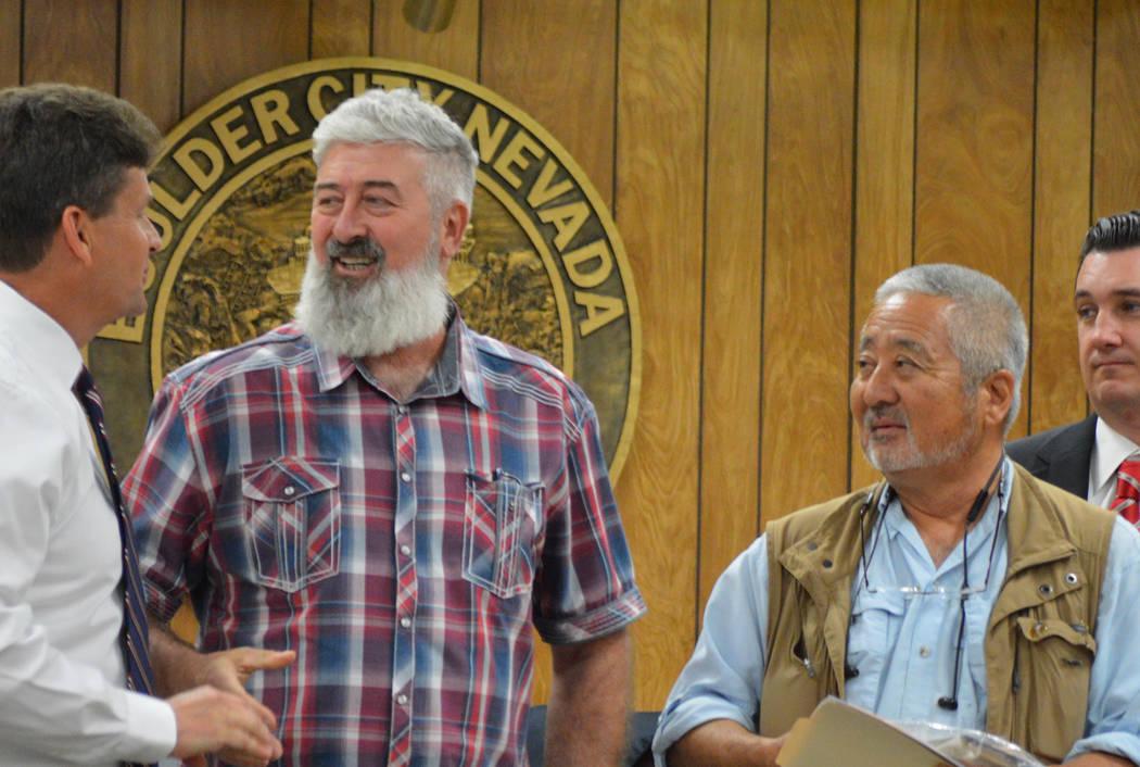 (Celia Shortt Goodyear/Boulder City Review) Mayor Rod Woodbury, left, and Historic Preservation ...