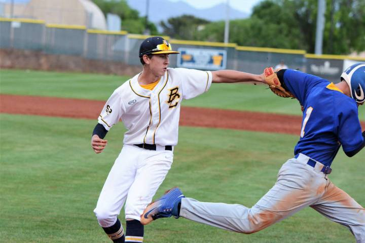 (Robert Vendettoli/Boulder City Review) Boulder City High School sophomore Joey Giunta tags a M ...