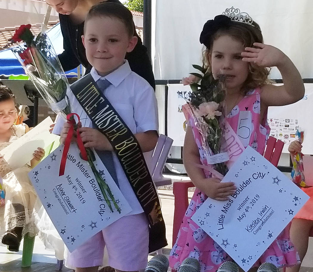 (Celia Shortt Goodyear/Boulder City Review) Asher Stewart, left, and Kinsley Irwin are crowned ...