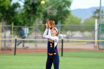 (Robert Vendettoli/Boulder City Review) Boulder City High School senior Ryann Reese, seen catch ...