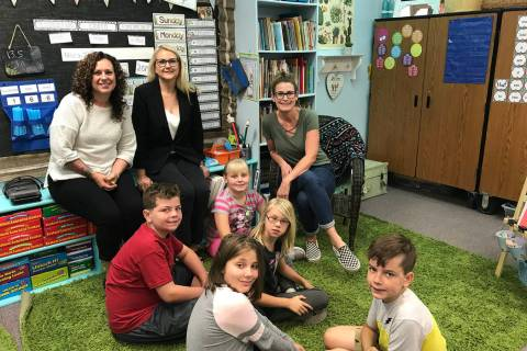 (Hali Bernstein Saylor/Boulder City Review) April Hoover, seated at right, and Tina Coleman, se ...