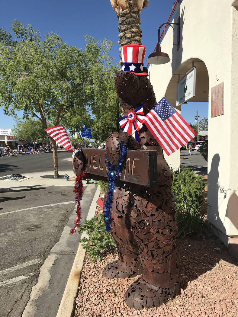 (Hali Bernstein Saylor/Boulder City Review) Even the downtown art got into the spirit of the Fo ...