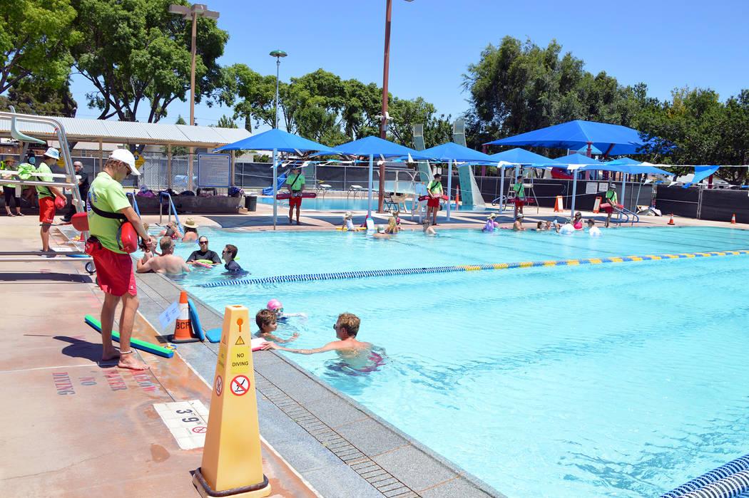 (Celia Shortt Goodyear/Boulder City Review) Boulder City Pool, 861 Avenue B, is open for extend ...