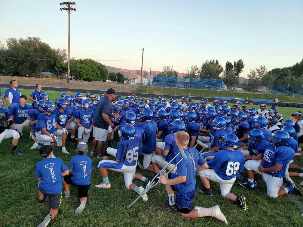 (Alex Moore) Boulder City head coach Chris Morelli addresses players from both Boulder City Hig ...