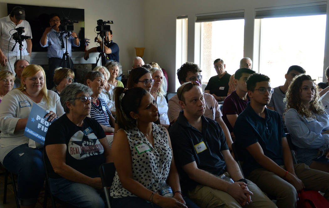 (Celia Shortt Goodyear/Boulder City Review) Residents listen to Democratic presidential candida ...