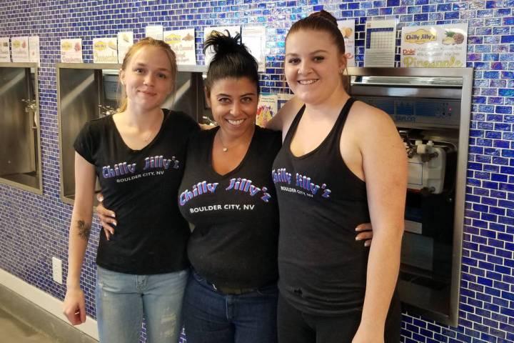 (Celia Shortt Goodyear/Boulder City Review) Jill Bunch, center, owner of Chilly Jilly'z restaur ...