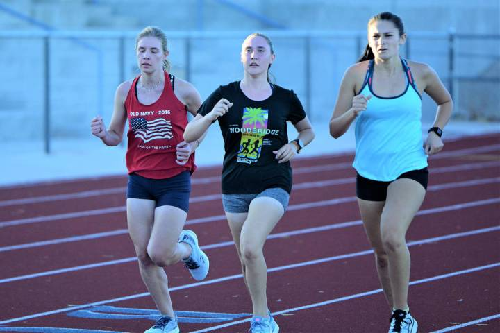 (Robert Vendettoli/Boulder City Review) Members of Boulder City High School's girls cross-cou ...