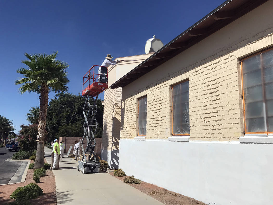 (Hali Bernstein Saylor/Boulder City Review) Workers with Fix Painting give the old Los Angeles ...