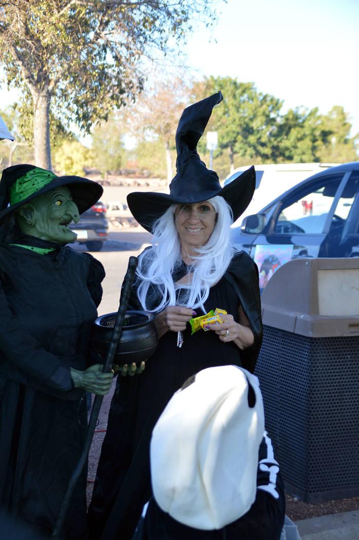Celia Shortt Goodyear/Boulder City Review Boulder City Councilwoman Claudia Bridges gives out c ...