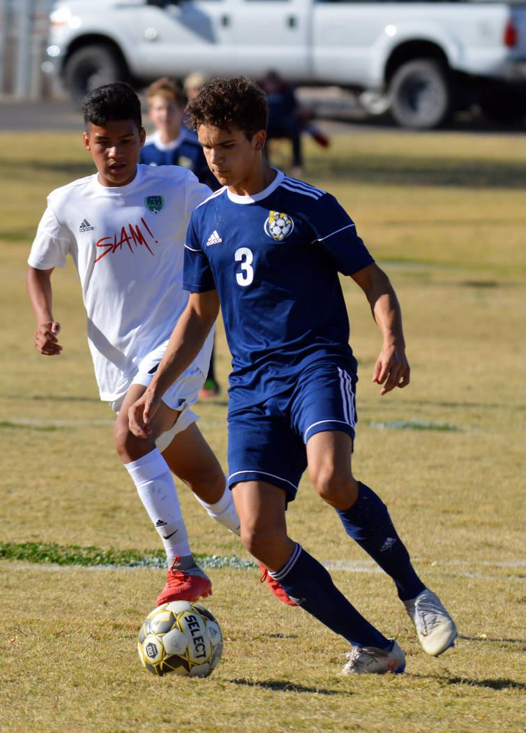(Celia Shortt Goodyear/Boulder City Review) Boulder City High School junior Adam Leavitt goes a ...