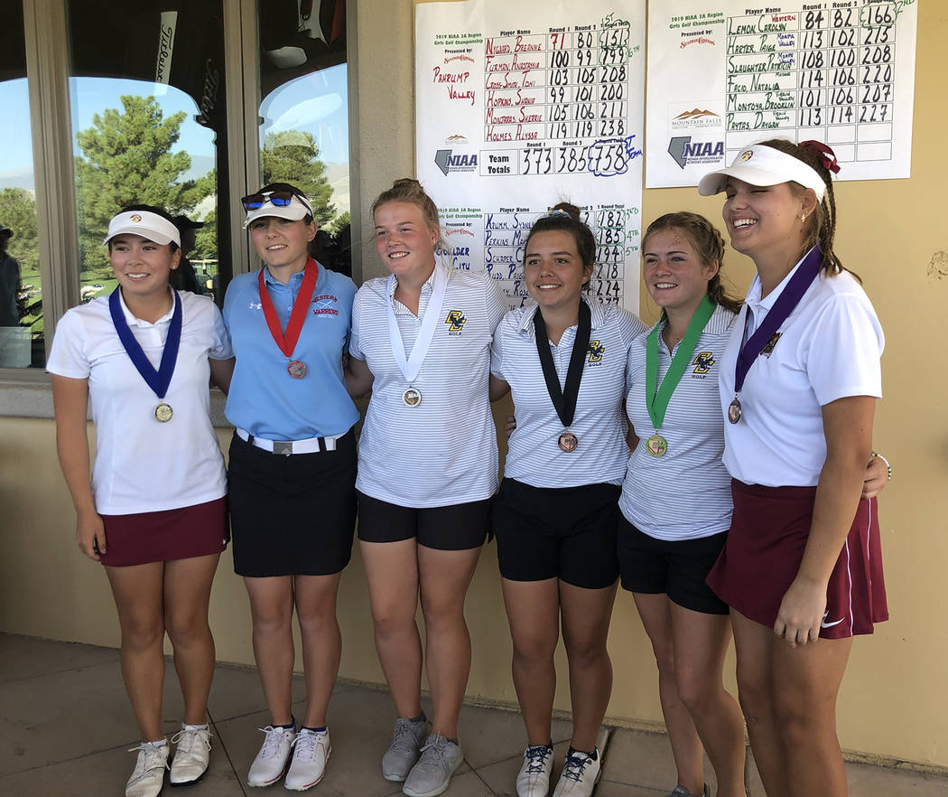 Tom Rysinski/Pahrump Valley Times Medalists at Mountain Falls Golf Club in Pahrump at the concl ...