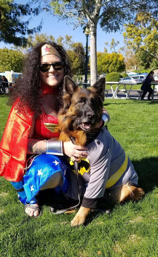 Celia Shortt Goodyear/Boulder City Review Melinda Goodro and her dog, Qynn, enjoy some time tog ...