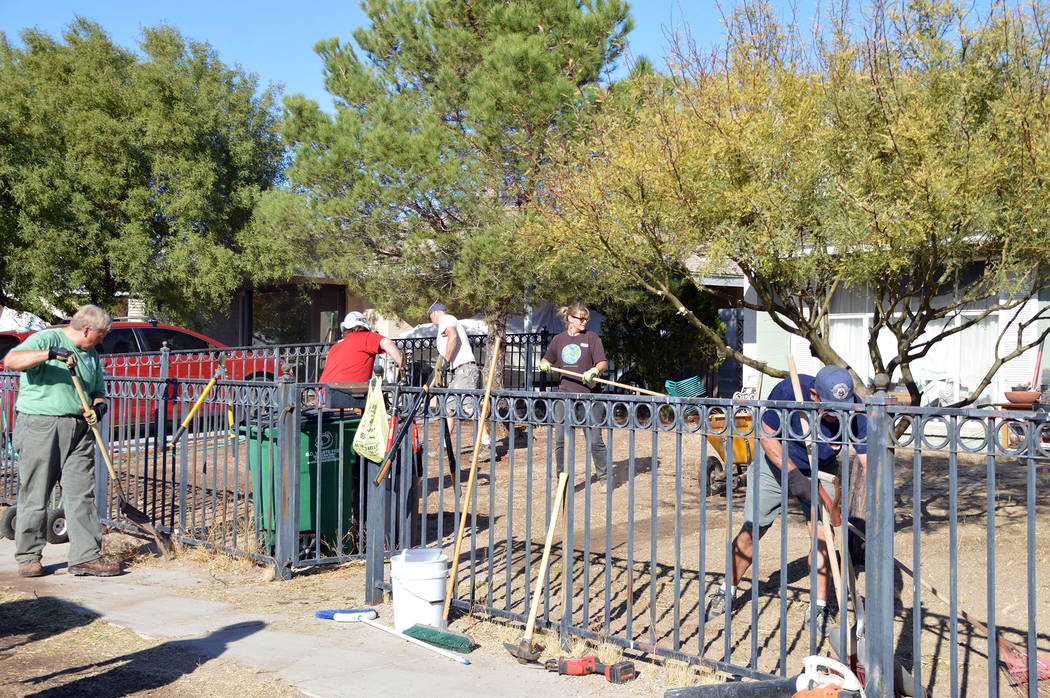 Celia Shortt Goodyear/Boulder City Review Volunteers with the Clean Green Boulder City Yard Squ ...