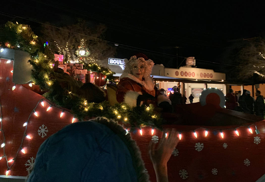 (Hali Bernstein Saylor/Boulder City Review) Mrs. Claus waved to spectators lining Nevada Way to ...