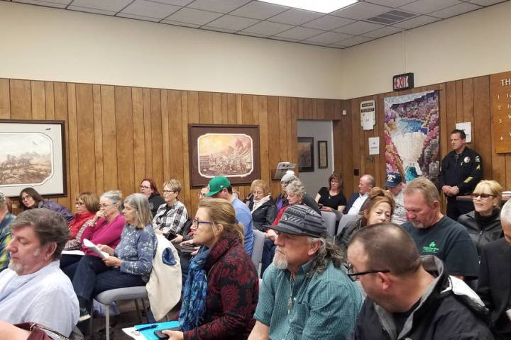 (Celia Shortt Goodyear/Boulder City Review) Residents fill council chambers at Tuesday's, Feb. ...