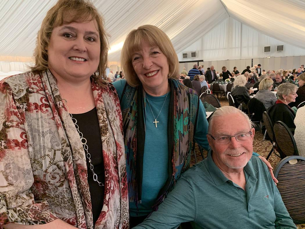(Hali Bernstein Saylor/Boulder City Review) Tina Mullis, left, chairman of the Boulder Dam Cred ...