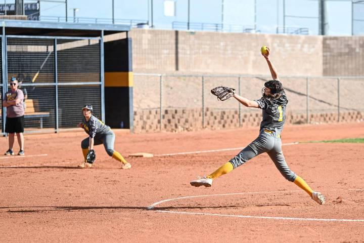 (Jamie Jane/Boulder City Review) Alyssa Bryant, a sophomore at Boulder City High School, picked ...