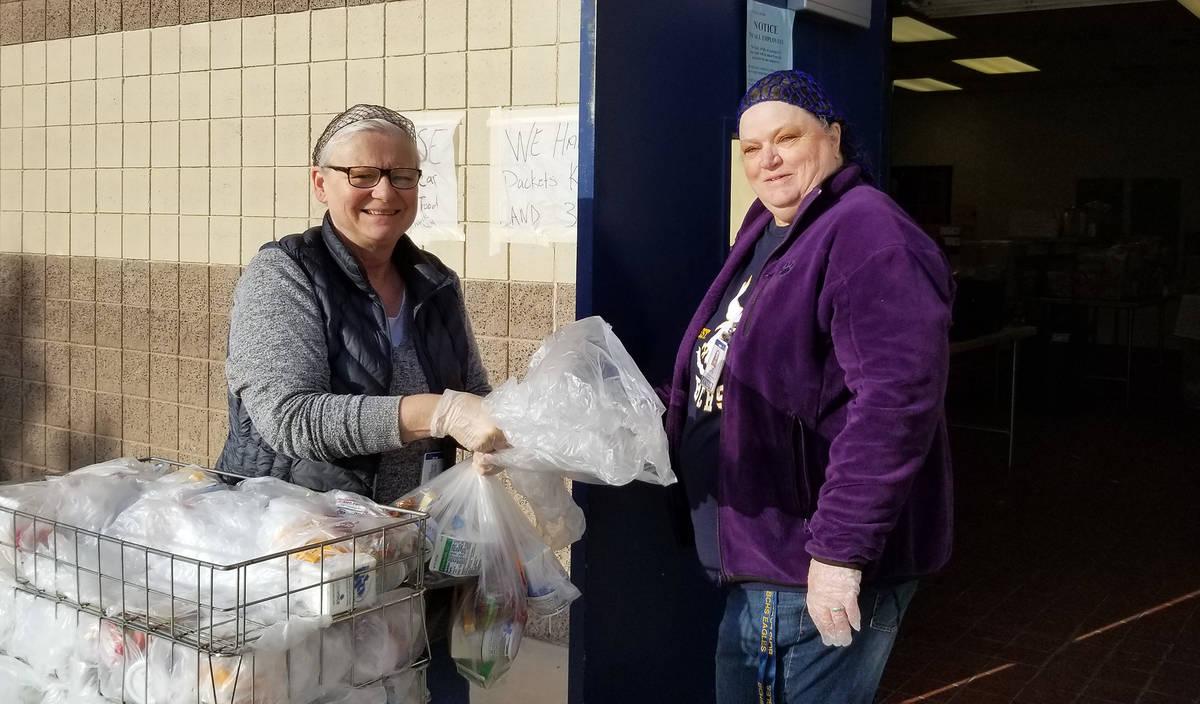(Celia Shortt Goodyear/Boulder City Review) Clark County School District employees Mary Struzik ...