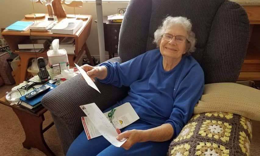 (Lakeview Terrace of Boulder City) Edna Komada, 89, reads letters that were sent to Lakeview Te ...