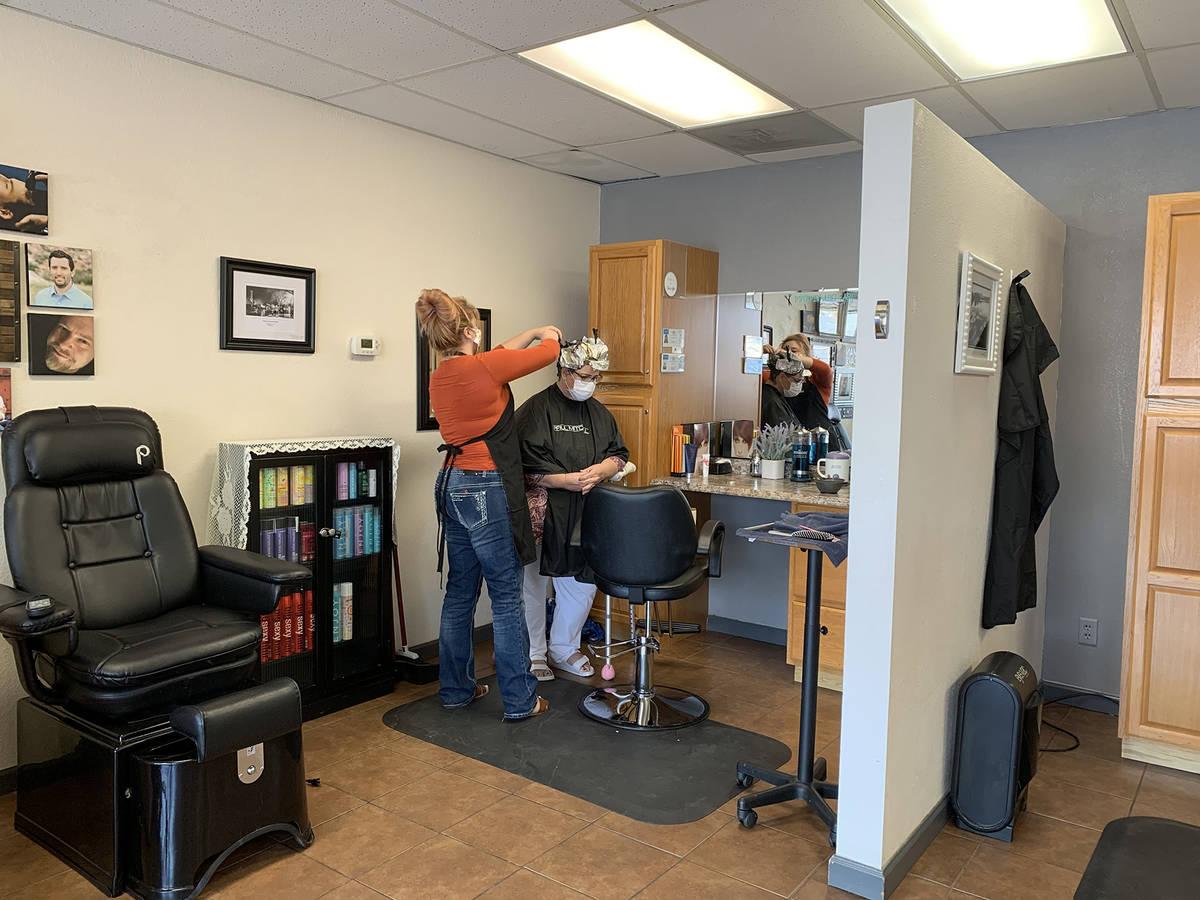 (Hali Bernstein Saylor/Boulder City Review) Beauty salons, including Creative Hair & Nails, 100 ...