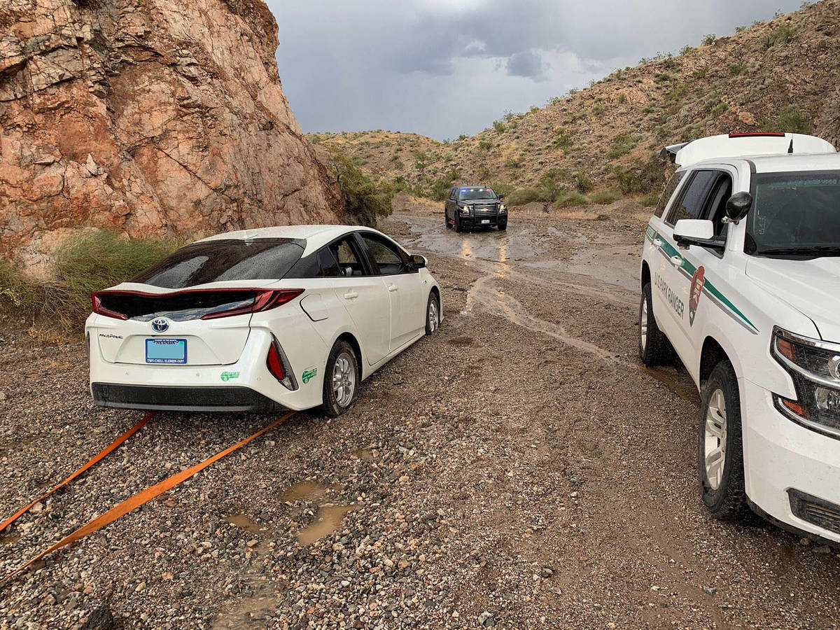 (Lake Mead National Recreation Area) Rangers at Lake Mead National Recreation Area assisted str ...