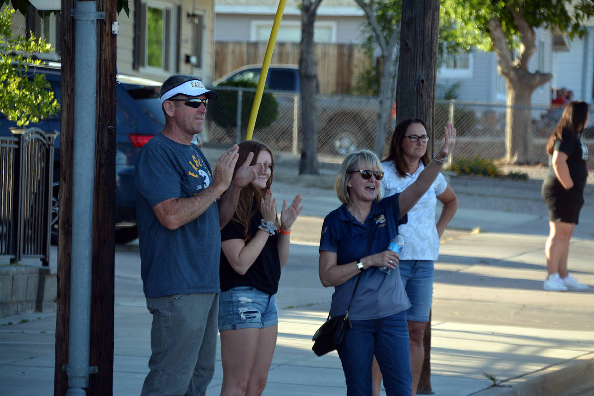Celia Shortt Goodyear/Boulder City Review Spectators at the corner of Fifth Street and Californ ...