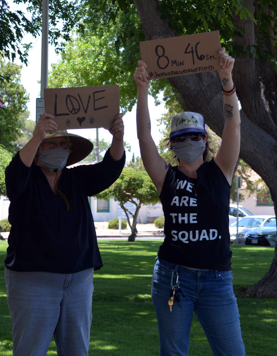 Celia Shortt Goodyear/Boulder City Review Johna Meints, left, and her daughter, Casey Sheppard, ...
