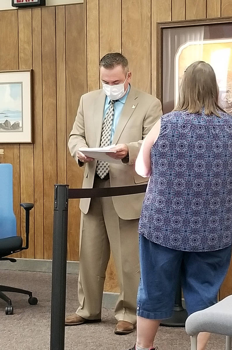Celia Shortt Goodyear/Boulder City Review City Manager Al Noyola is served with an amended temp ...