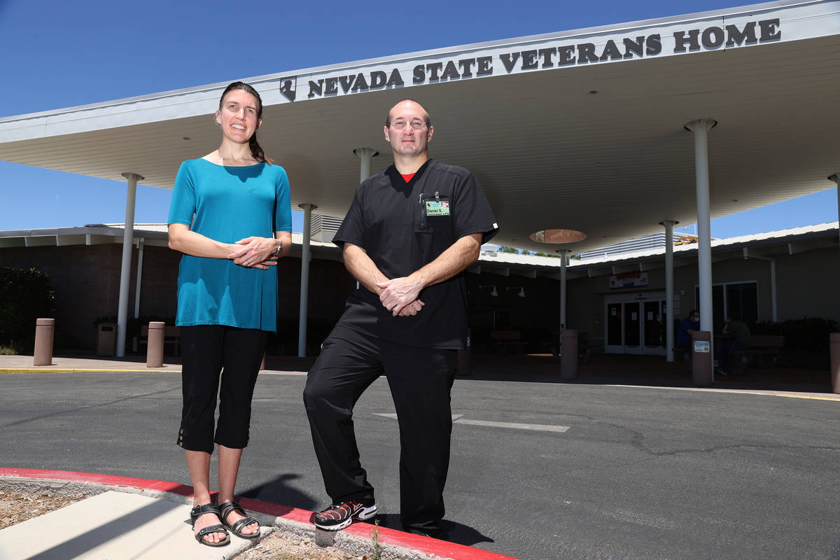 Erik Verduzco/Las Vegas Review-Journal Nancy Bearden and Dan Stepanian, volunteer medical staff ...