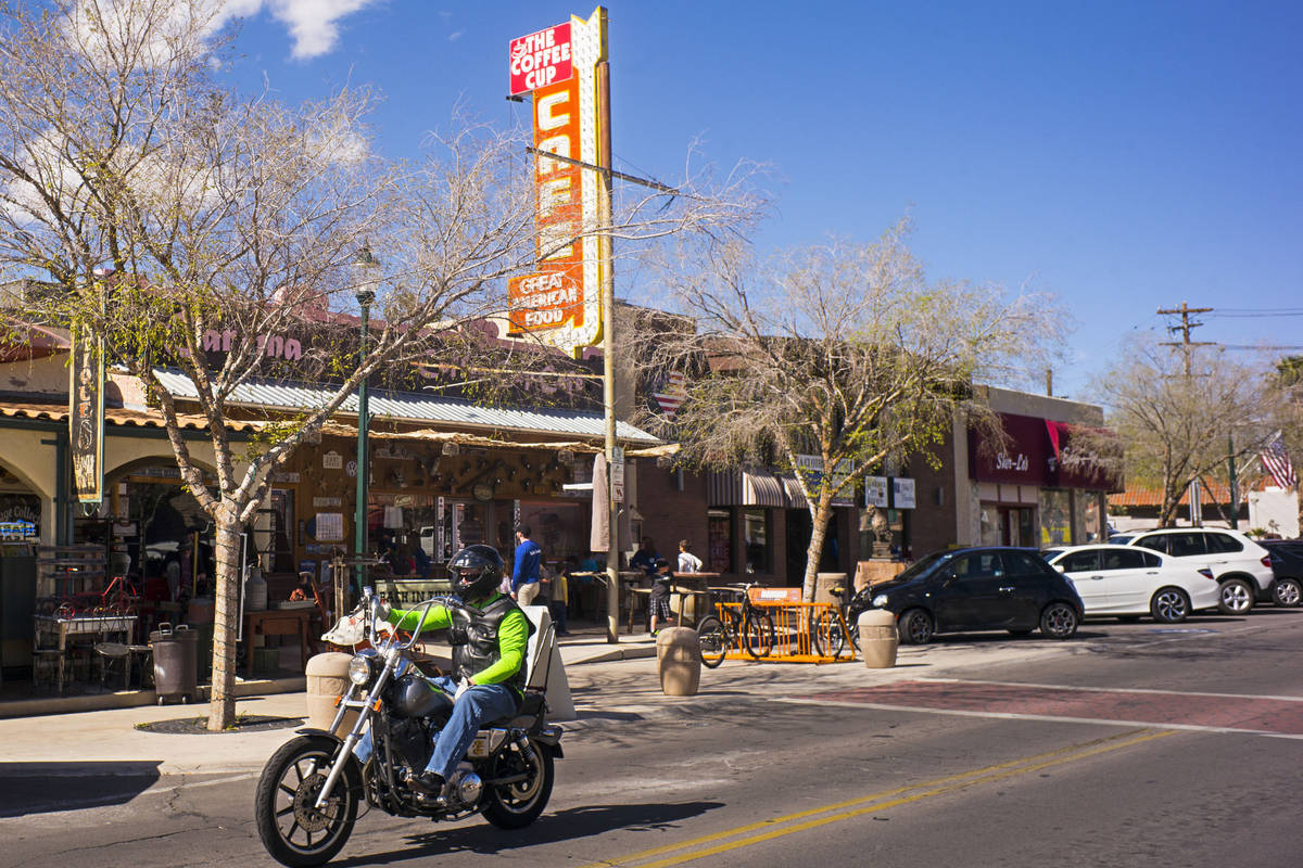(Chase Stevens/Las Vegas Review-Journal) Nearly half of the customers dining at the World Famou ...