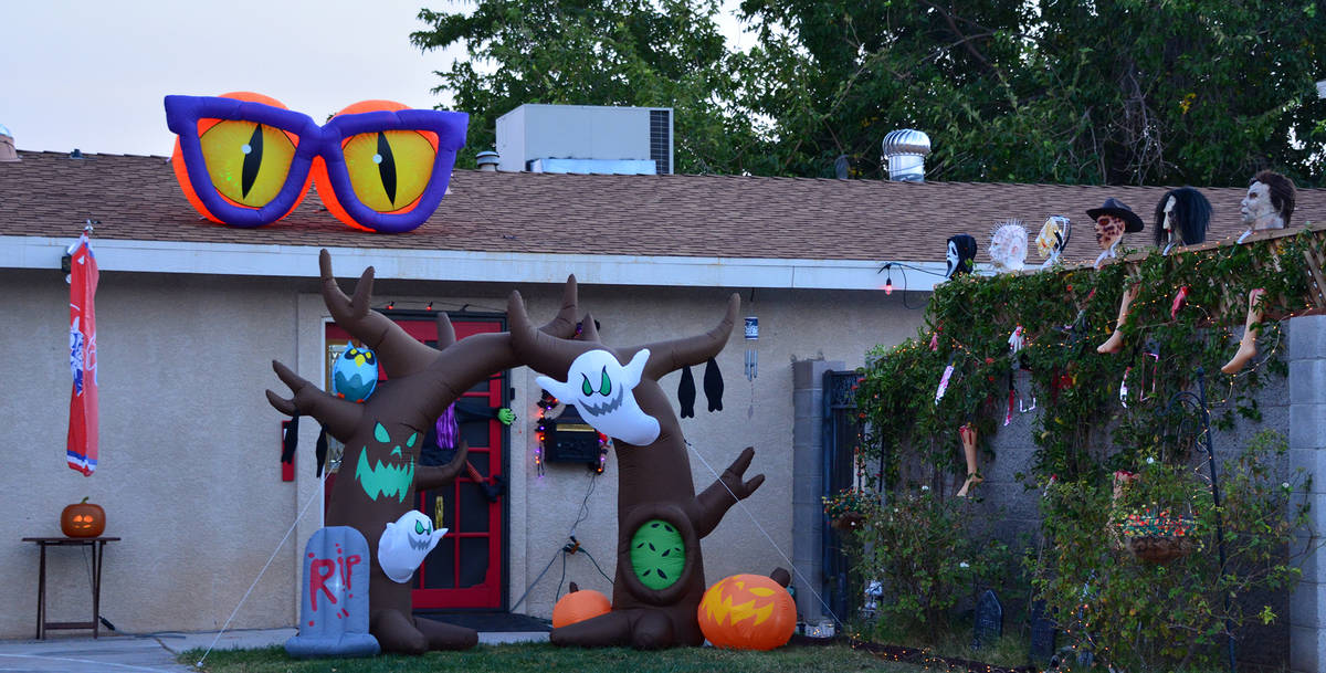 (Celia Shortt Goodyear/Boulder City Review) The home at 1200 Avenue I features Halloween-themed ...