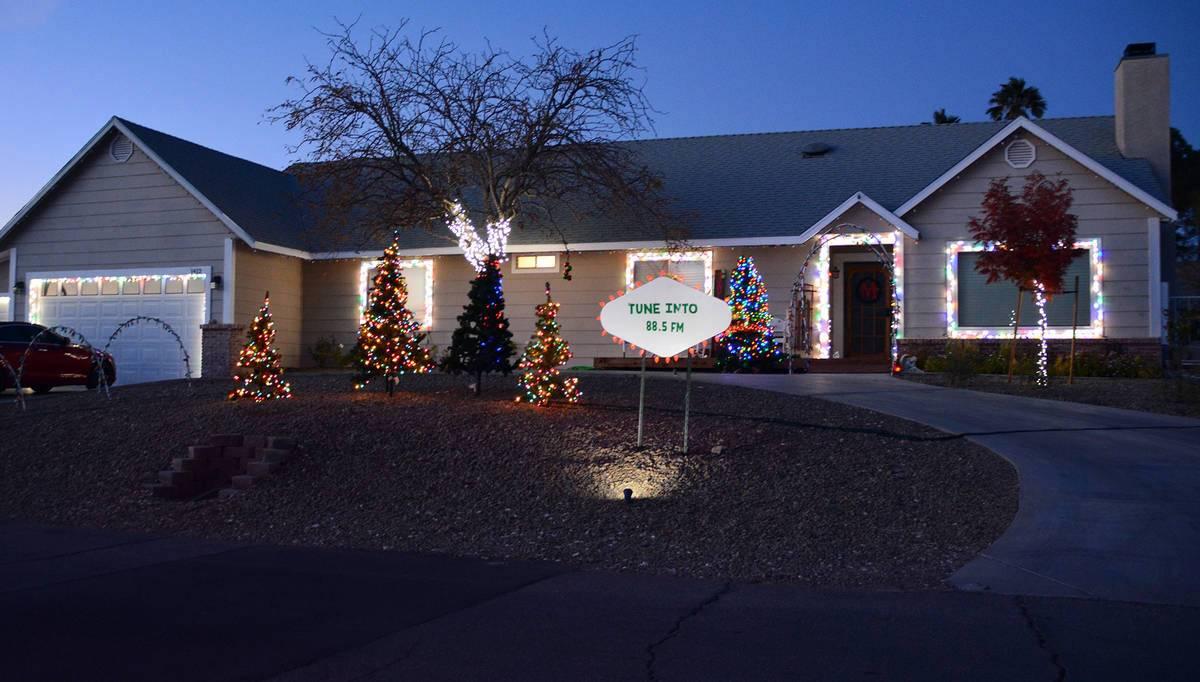 14541520_web1_BCR-Christmas-Lights-4-DEC10-20-1.jpg