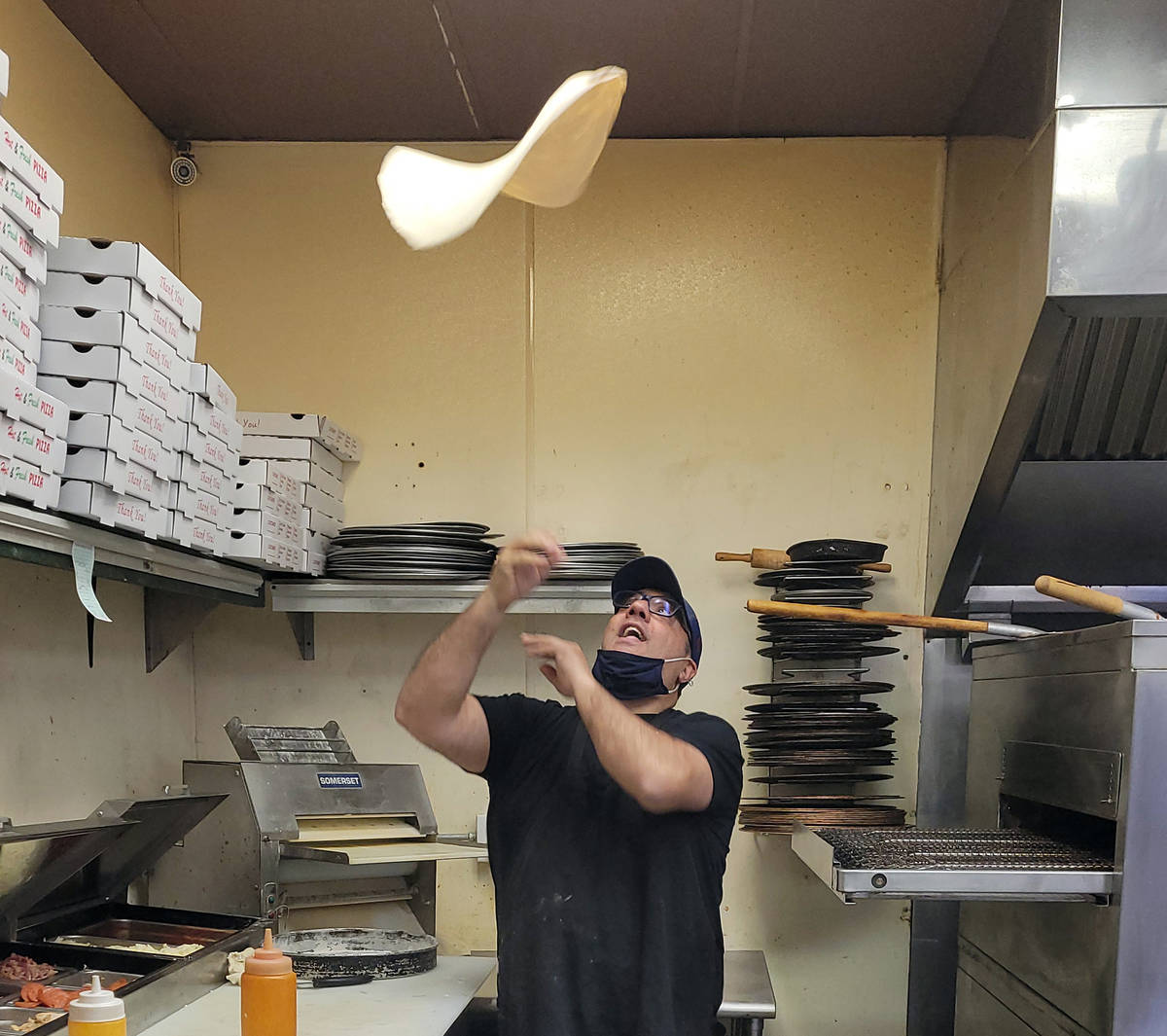 """Celia Shortt Goodyear/Boulder City Review Vincenzo """"Vinny"""" Cimino works his magic with a pizza ..."""