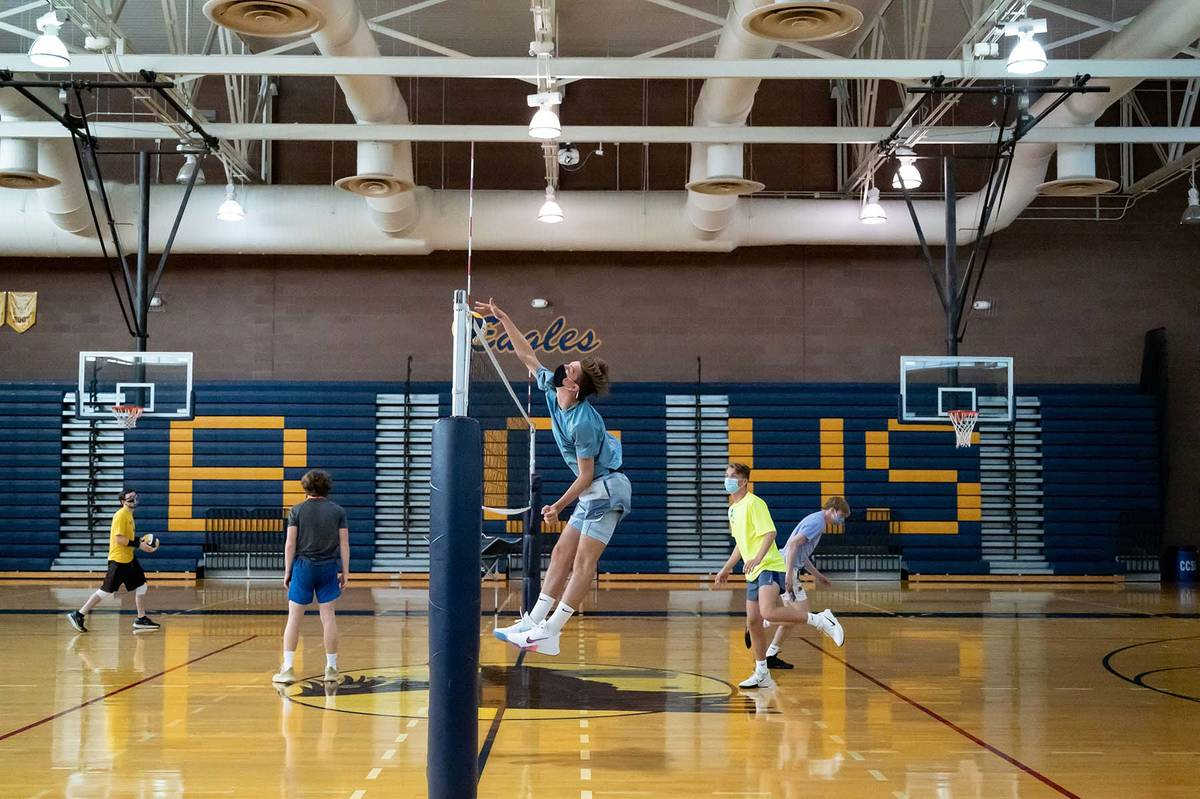 (Jamie Jane/Boulder City Review) Members of the boys varsity volleyball team at Boulder City Hi ...