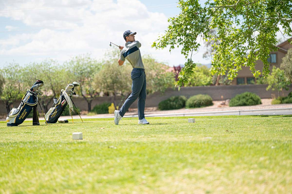 (Jamie Jane/Boulder City Review) Jace Waldron, a senior at Boulder City High School, rounded ou ...