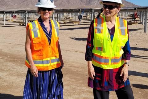 Celia Shortt Goodyear/Boulder City Review U.S. Rep. Susie Lee, left, and U.S. Secretary of Ener ...