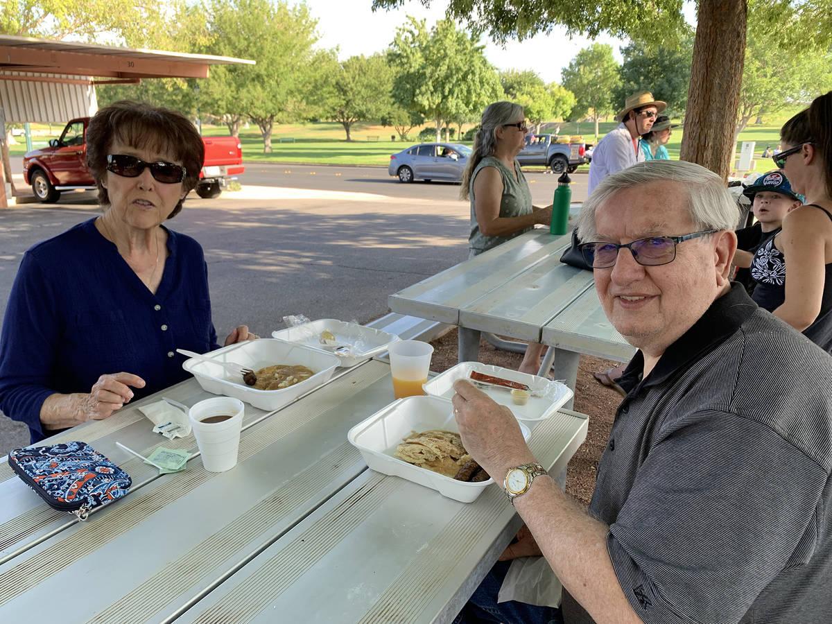 (Hali Bernstein Saylor/Boulder City Review) Jennie and Don Avon of Boulder City enjoy the panca ...