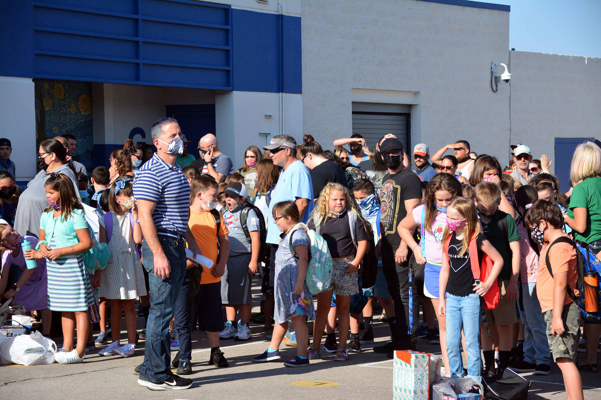 Celia Shortt Goodyear/Boulder City Review King Elementary School students line up to go to clas ...